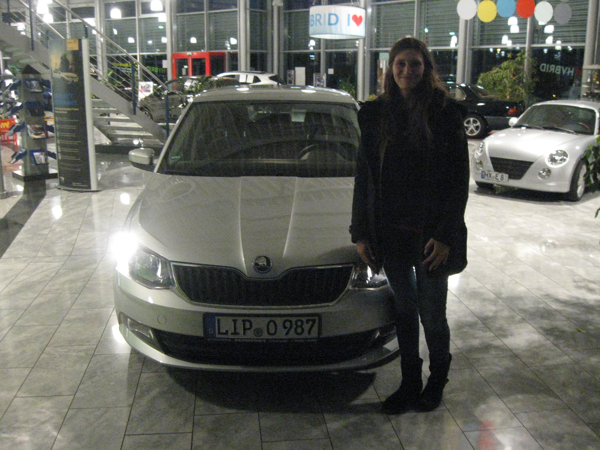 tl_files/toyota/img/bilder/Frau Harder_Skoda fabia.JPG